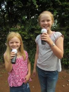 crop Louisa and Amsiadai microphone
