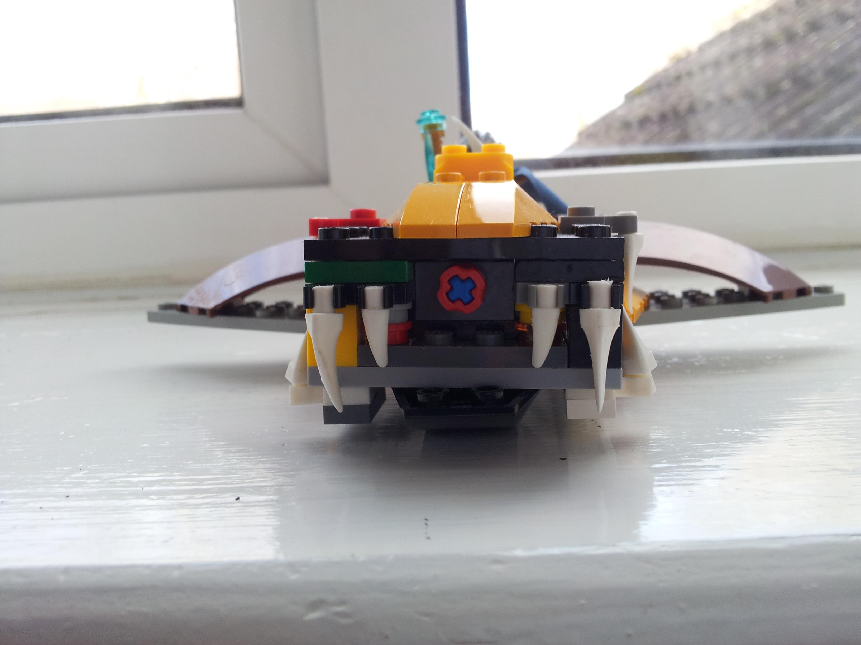 Chomper Plane